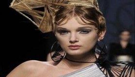 Podyumların en garip saç modelleri
