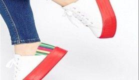 Bu yazın yeni modası platformlu ayakkabılar