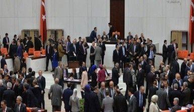 AK Parti ile CHP milletvekilleri arasında tartışma