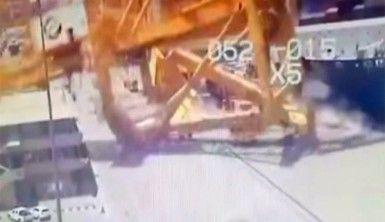 Geminin çarptığı dev platform yıkıldı