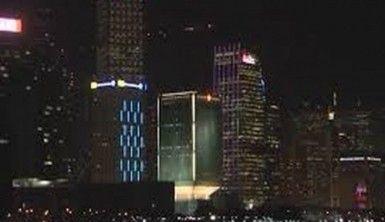 Hong Kong'da gökdelenler için 'Işıkların Senfonisi'