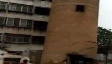 Su kulesi işçilerin üzerine çöktü