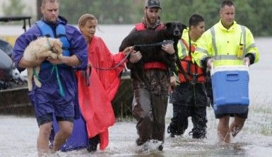 Houston'daki kasırga felaketinde 9 kişi öldü