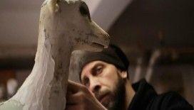 Nesli tükenen hayvanlara heykellerle dikkat çekiyor