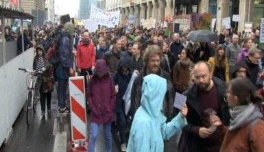 Berlin'de artan kiralar insanları sokağa döktü