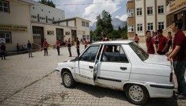 Liselilerin 'uzatma kablosu'yla çalışan aracı test sürüşünde