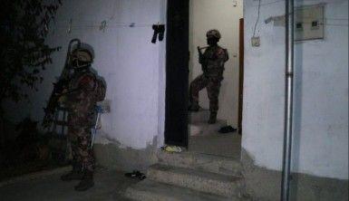 Torbacılara şafak baskını, 25 gözaltı