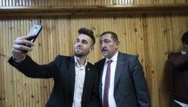 MHP Kastamonu Belediye Başkan Adayı Galip Vidinlioğlu sosyal medyada gençlerle buluştu