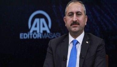 Adalet Bakanı Gül, Firari 107 Fetö'cünün Türkiye'ye getirilmesi sağlandı