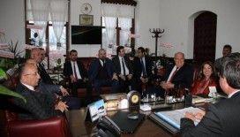KASDER yönetimi Araç Belediye Başkanı Sarıkaya'yı ziyaret etti
