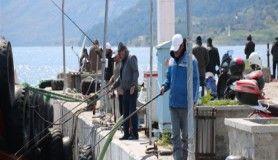 Olta balıkçıları bilinçsiz avlanmadan dert yanıyor