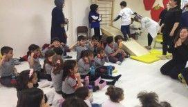 """Kastamonu Üniversitesi İlkokulu minikleri """"Özel çocuklarla"""" buluştu"""