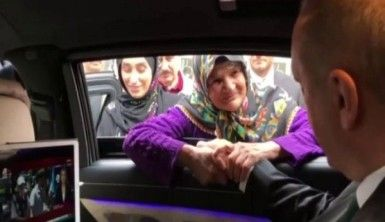 Altun, Cumhurbaşkanı Erdoğan ile yaşlı kadının sohbetini paylaştı
