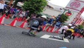 Japonya'da ofis sandalyesi sürme yarışması renkli görüntülere sahne oldu