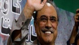 Eski Pakistan Devlet Başkanı Zerdari gözaltına alındı