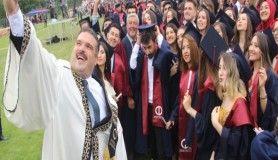 Özlenilen mezuniyet törenleri bu sene Anadolu Üniversitesi'nde
