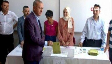 Cumhurbaşkanı Erdoğan oyunu Üsküdar'da kullandı