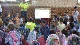 Yaz Kur'an kurslarında çocuklara trafik eğitimi