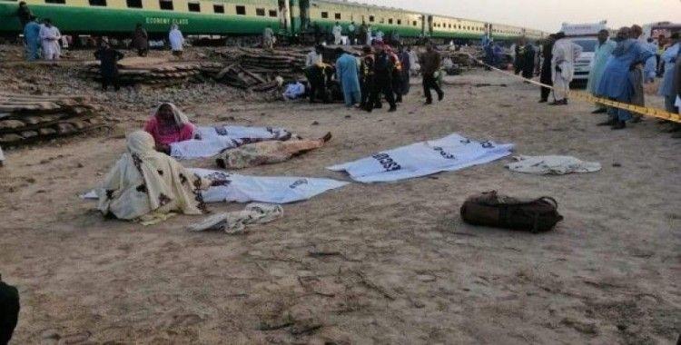 Pakistan'daki tren kazasında ölü sayısı 21'e yükseldi