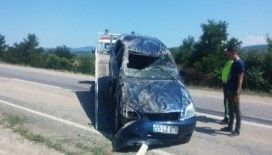 Yola serilen mıcır kazaya sebep oldu