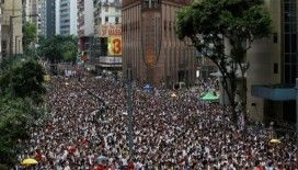 Çin, Hong Kong'daki 'korkunç' protestoları kınadı
