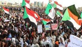 Sudan'da asker ve muhalefet ortak yönetimde uzlaştı
