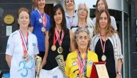 Bozkırın kadınları, açık denizde madalyaya doymuyor