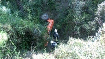 Manavgat'ta traktör uçuruma devrildi: 1 ölü, 1 yaralı