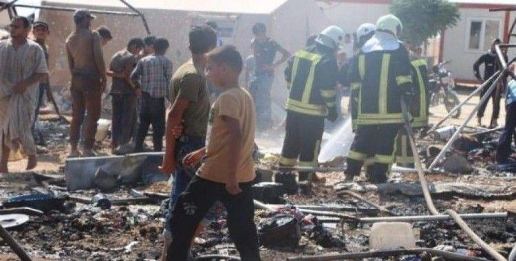 Azez'deki mülteci kampında dev yangın: 4 yaralı