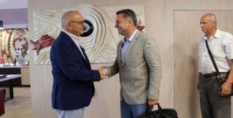 Akhisar OSB yönetimi Başkan Ergün'ü ziyaret etti