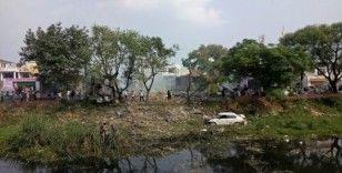 Hindistan'da havai fişek patlaması: En az 15 ölü