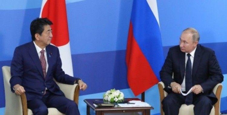 Putin'den Abe'nin İkinci Dünya Savaşı barış anlaşması çağrısına yanıt