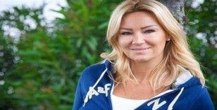 Pınar Altuğ 13 çocuğa burs verdi