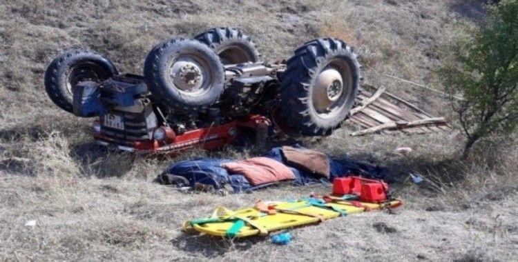 Kontrolden çıkan traktör devrildi: 1 ölü, 1 yaralı
