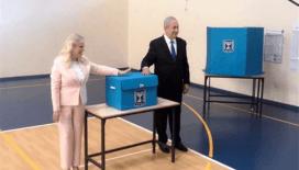 Netanyahu ve eşi oyunu kullandı