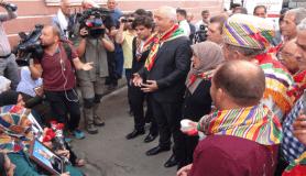 Diyarbakır'da HDP il binası önünde oturma eylemi yapan ailelere destek ziyaretleri sürüyor