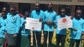 Afrika'daki görme engellilere ışık oldular