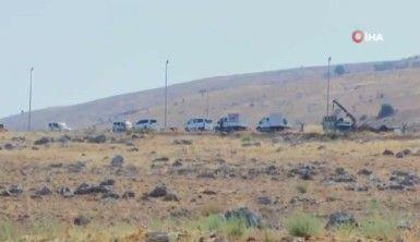 Kaçak göçmenleri taşıyan askeri araç devrildi