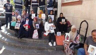 Annelerin HDP önündeki evlat nöbeti 23'üncü gününde