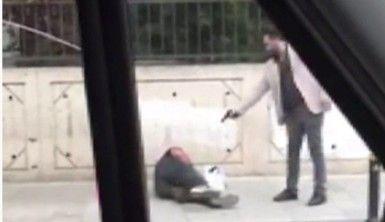 Sokak ortasında silahlı dehşet