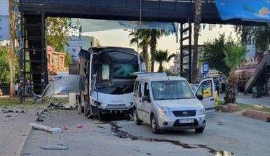 Polis servis aracına düzenlenen bombalı saldırı kamerada