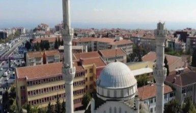 Avcılar'da minaresi çöken cami havadan görüntülendi