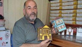 Tarihi 'Afyon Evleri'nin maketlerini yapıyor