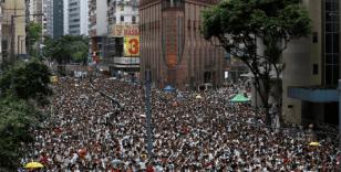Hong Kong'da protestocular Çin'in yıl dönümünde sokaklarda