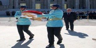 TBMM Başkanı Şentop, Atatürk Anıtı'na çelenk koydu