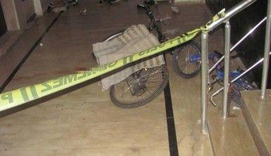 Merdiven boşluğuna düşen bebek hayatını kaybetti