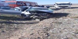 Yozgat'ta kamyonet ile otomobil çarpıştı: 1 ölü, 1 yaralı