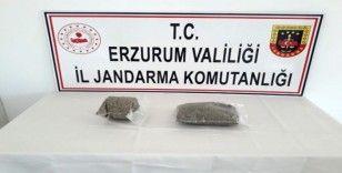 Yolcunun sırt çantasında 1 kilo bonzai ele geçirildi