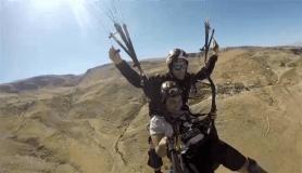 Otizmli çocukların paraşüt keyfi