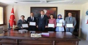 Proje geliştiren öğretmenlere başarı belgesi verildi